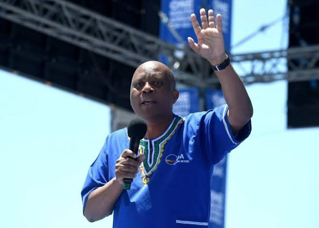 Mashaba walks out, pleads for the poor